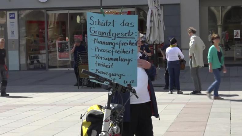 """München: Protest gegen""""unverhältnismäßige Lockdown-Maßnahmen"""""""