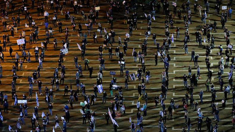 Protest mit Masken und Sicherheitsabstand: Tausende Israelis demonstrieren gegen Netanjahu