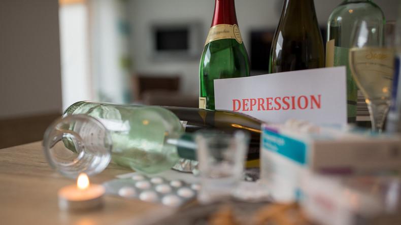 75 Mal mehr Anrufe bei Selbstmord-Hotline: Die psychologischen Folgen der Ausgangssperre (Video)