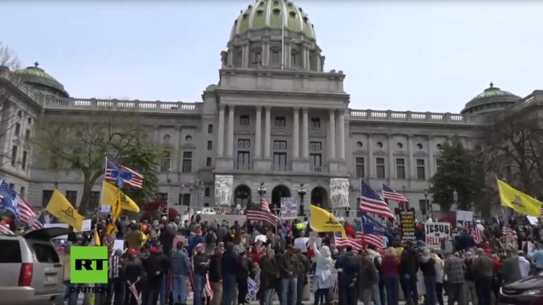 LIVE: USA – Anti-Lockdown-Demonstranten fahren durch die Straßen von Harrisburg (Pennsylvania)