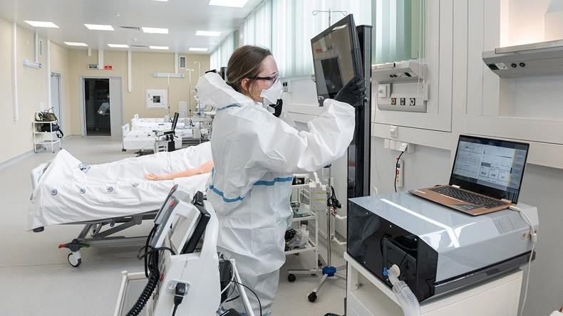 Moskau: Erste Corona-Patienten in neue Infektionsklinik eingeliefert