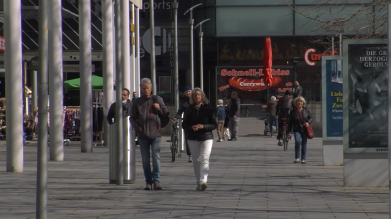 Maskenpflicht in Sachsen: Was halten Menschen in Dresden von Corona-Regeln?