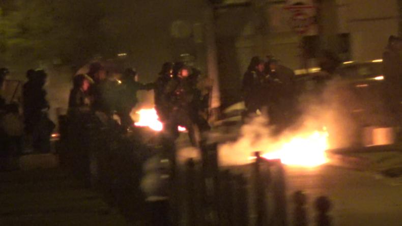 Aufstände in Pariser Problemvierteln: Attacken auf Polizei, Straßenschlachten und ausgebrannte PKW