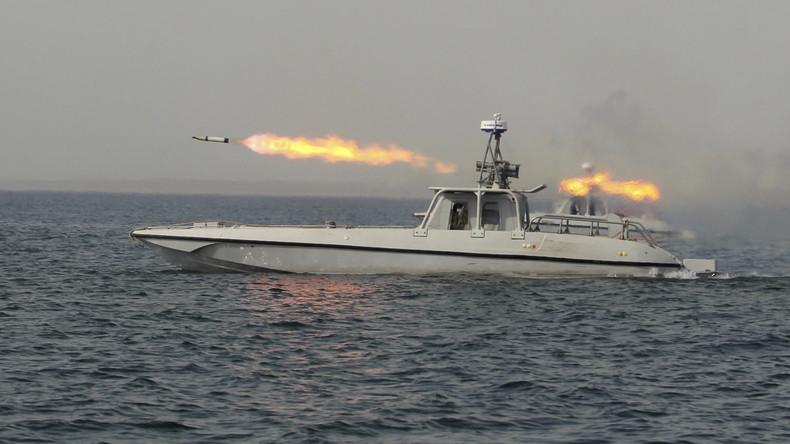 Nach US-Manövern: Iran präsentiert neue Raketen und schießt ersten Militärsatelliten ins Weltall