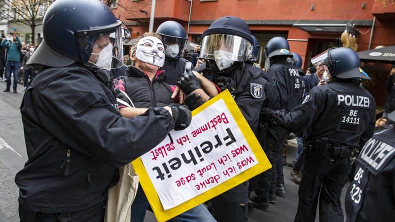 Deutschland:FestnahmenwährendDemo gegen COVID-Maßnahmen in Berlin