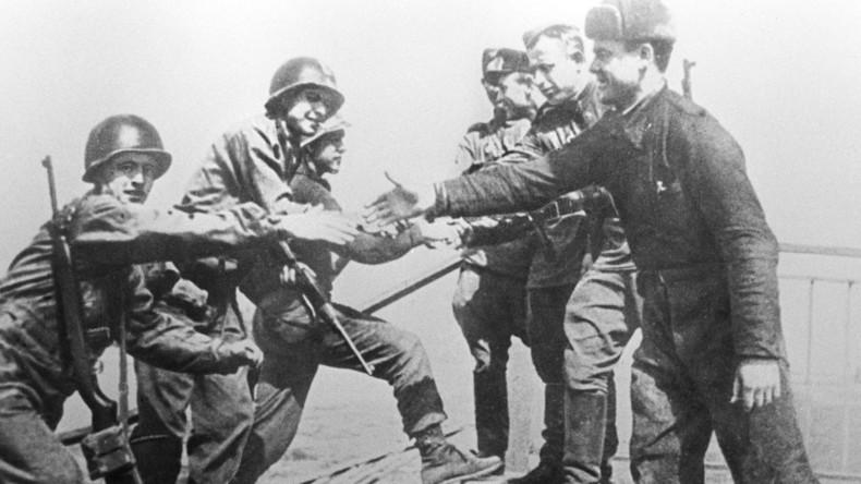 """Achtung, Frieden: Selbst Gedenken an historischen Elbe Day sorgt in USA für """"neue Bedenken"""""""