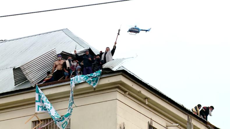 Revolte in Argentinien: Häftlinge zerstören Gefängnisdach wegen Corona-Pandemie