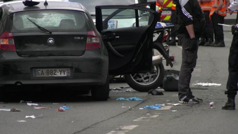 """Paris: """"Habe es für den IS getan"""" - Mutmaßlicher Terrorist rast mit BMW in Polizisten"""