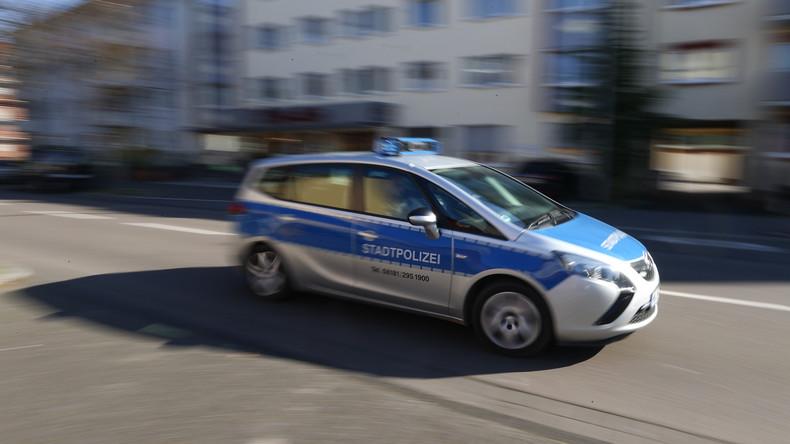 Hanau: Mehrere Männer stechen auf Passanten ein – Täter weiter flüchtig