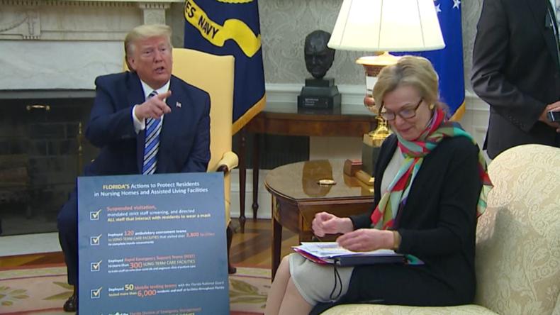 """Trump lässt Reporter mit Fake News auffliegen: """"Wirst du dich jetzt entschuldigen?"""""""