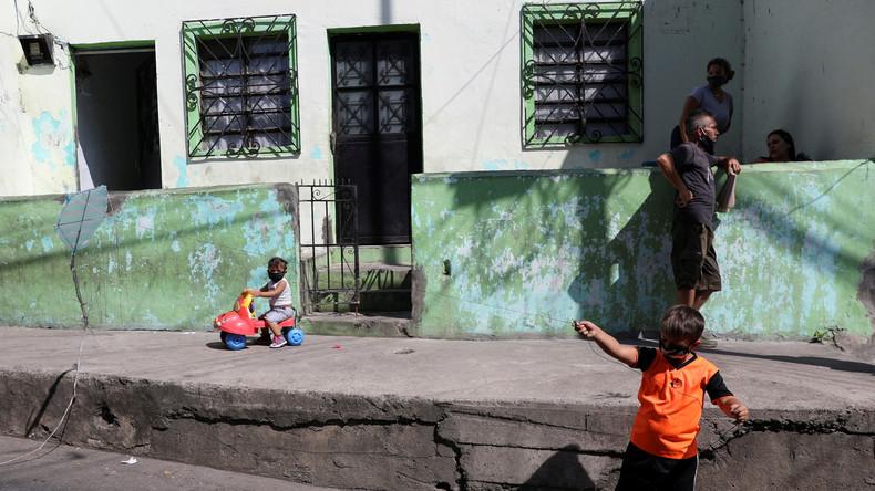 """Sanktionen statt Hilfsgüter für Venezuela: Menschenrechte nur mit der """"richtigen"""" Regierung"""