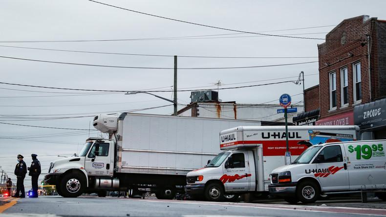 New York: Dutzende Leichen in Lastwagen nahe Bestattungsunternehmen gefunden