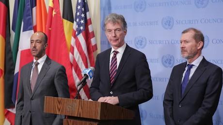 Symbolbild: Christoph Heusgen (Mitte), Ständiger Vertreter Deutschlands bei den Vereinten Nationen, informiert die Presse nach einem gescheiterten Resolutionsentwurf zur Lage in Syrien, 20. Dezember 2019, UN-Hauptquartier, New York.