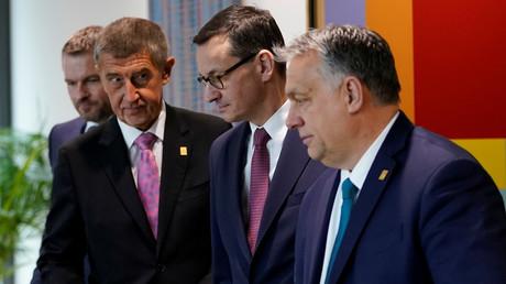 Der Ministerpräsident der Tschechischen Republik Andrej Babiš, der polnische Ministerpräsident Mateusz Morawiecki, der slowakische Ministerpräsident Peter Pellegrini und der ungarische Ministerpräsident Viktor Orbán während eines Treffens in Brüssel am 21. Februar 2020