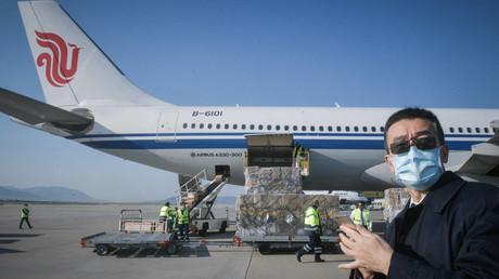 Symbolbild zeigt eine chinesische Hilfslieferung, die am Athener Flughafen eingetroffen ist. (21. März 2020)
