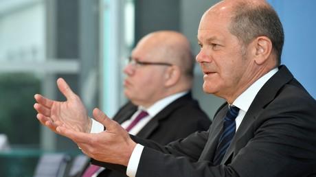 Bundesfinanzminister Olaf Scholz und Bundeswirtschaftsminister Peter Altmaier stellten sich am 6. April den Fragen von Journalisten in Berlin.