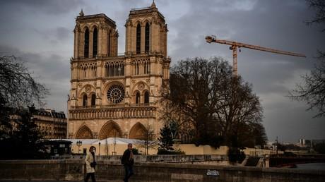 Notre-Dame de Paris hält trotz Pandemie Gottesdienst zum Karfreitag ab – Teilnehmerzahl limitiert