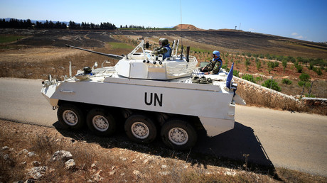 Eine UN-Friedenstruppe patrouilliert im Dorf Maroun Al-Ras nahe der Grenze zu Israel im Südlibanon