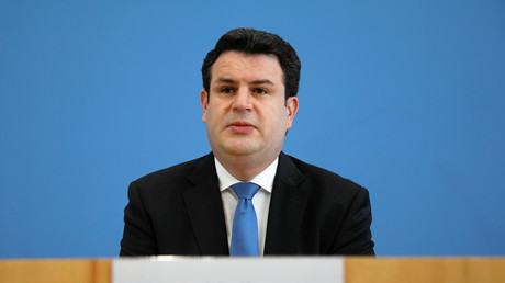 Bundesarbeitsminister Hubertus Heil während einer Pressekonferenz in Berlin am 31. März 2020.