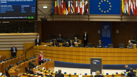 Sitzung des EU-Parlaments unter der Teilnahme der EU-Kommissionschefin Ursula von der Leyen am 26. März 2020 in Straßburg.