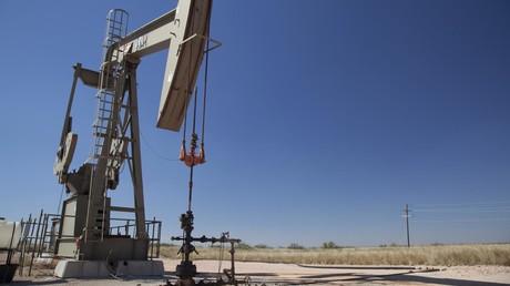 Ölförderung im US-Bundesstaat New Mexiko. Der gegenwärtige Kollaps des globalen Ölmarkts droht die US-amerikanische Ölindustrie in den Ruin zu treiben.