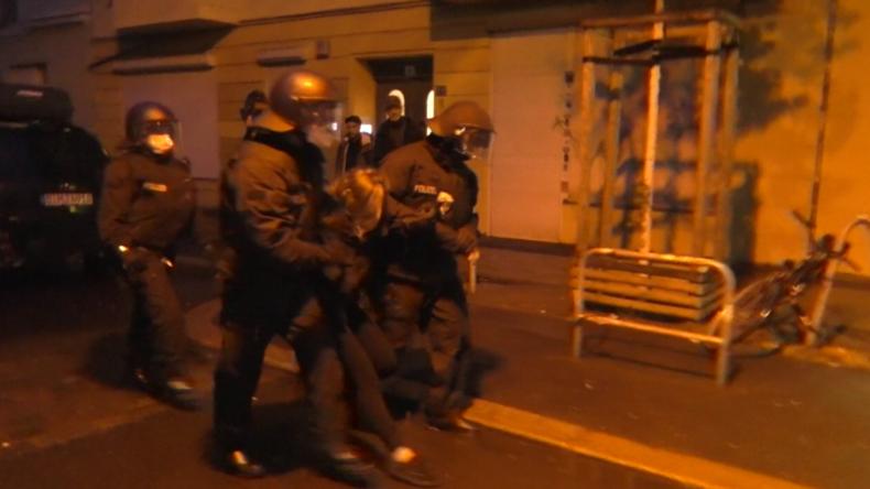 Autonome rebellieren trotz Demo-Verbot: Krawall und Festnahmen in Rigaer Straße in Berlin