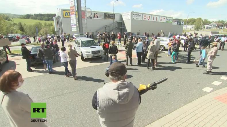 LIVE: Anti-Lockdown Protest an der deutsch-tschechischen Grenze