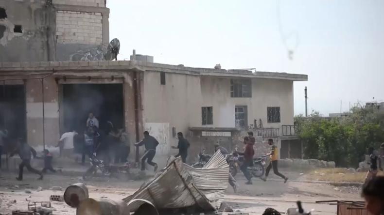 Syrien: HTS-Islamisten eröffnen das Feuer auf Demonstranten