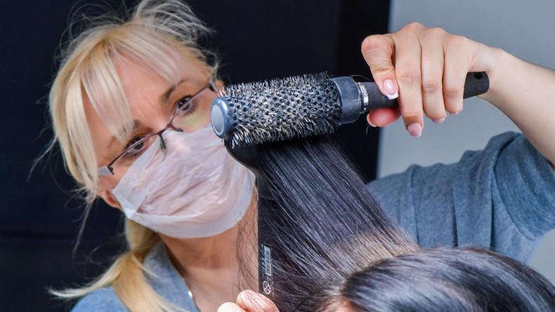 Friseursalons dürfen wieder öffnen – Höhere Preise erwartet