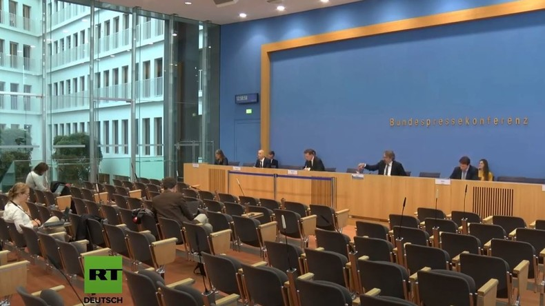 LIVE: Bundespressekonferenz zur aktuellen Lage in der Corona-Krise