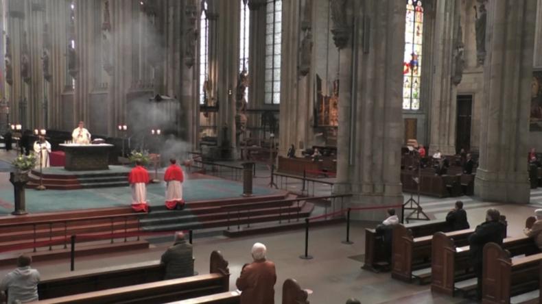 Kölner Dom: Gläubige dürfen nach wochenlanger Schließung wieder zum Gottesdienst