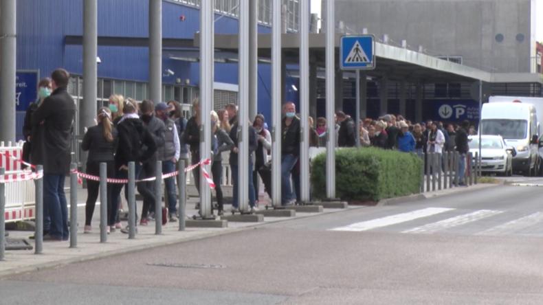 Dresden: Hunderte stehen Schlange für IKEA-Shopping nach Wiedereröffnung