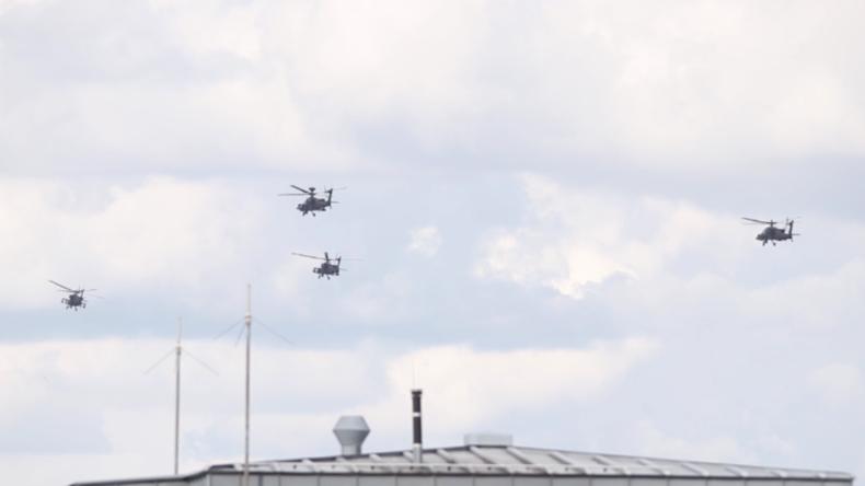 Exklusiv aus Dresden: US-Kampfhubschrauber starten gen Polen