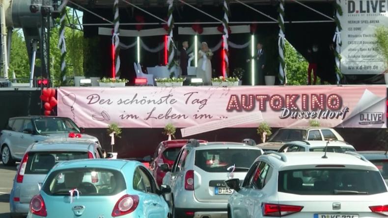 Düsseldorf: Wegen Corona – Brautpaare verlegen Trauungen ins Autokino
