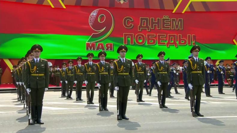 Weißrussland: Siegesparadetrotz COVID-19-Pandemie