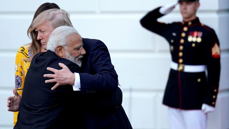 Washington will sich von China abwenden: Indien rollt US-Firmen nun den roten Teppich aus