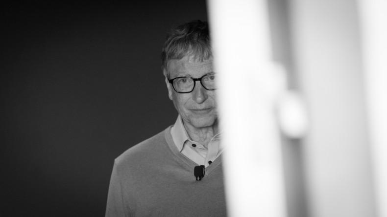 """Warum sich Bill Gates gerade """"schrecklich"""" fühlt"""