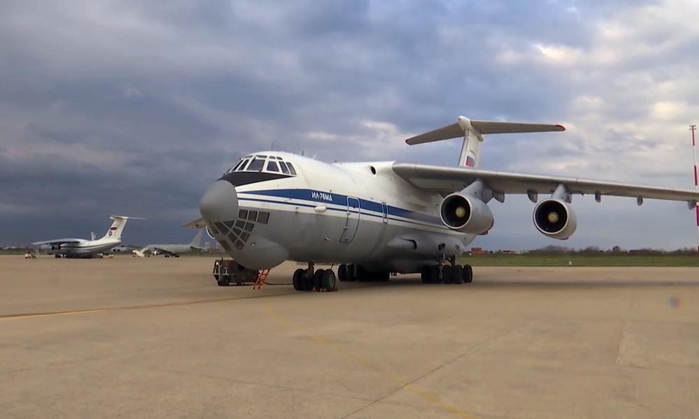 Achtes Flugzeug mit russischen Militärs kehrt nach Anti-Corona-Mission aus Italien zurück