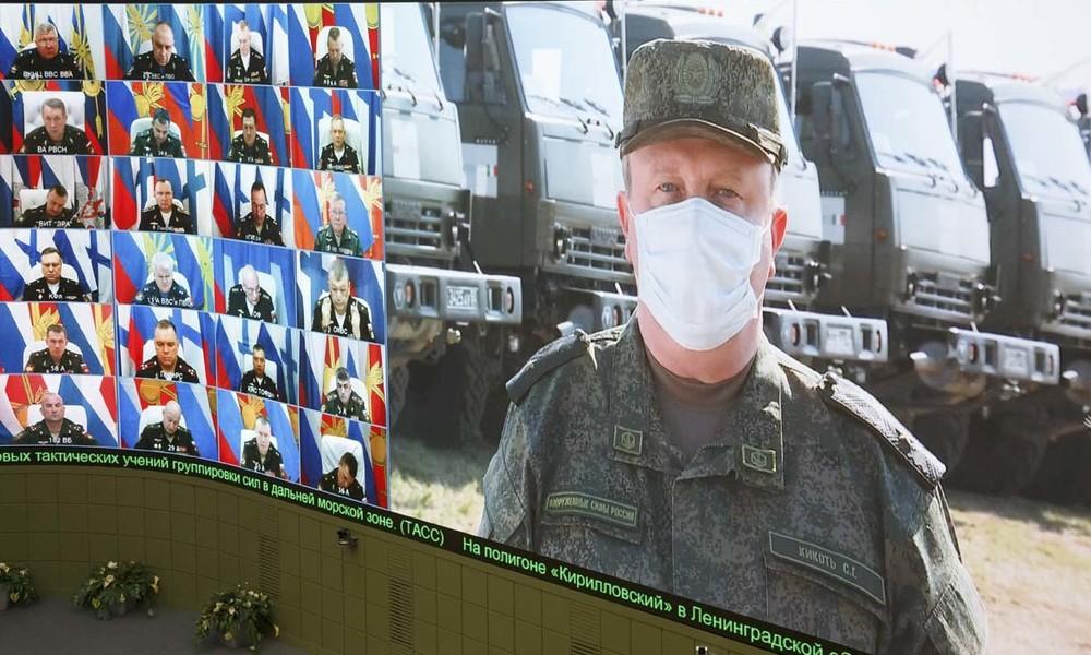 Londons langer Arm: Das Netzwerk hinter der Kampagne gegen die russische Corona-Hilfe für Italien