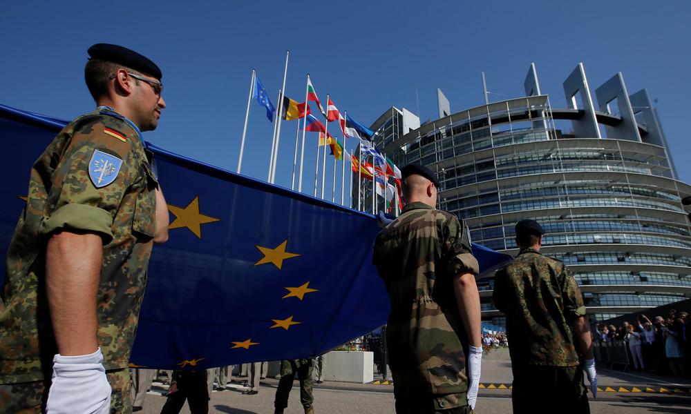 """Die etwas andere Corona-Maßnahme: EU-Militärausgaben sollen gegen Kürzungen """"geimpft"""" werden"""