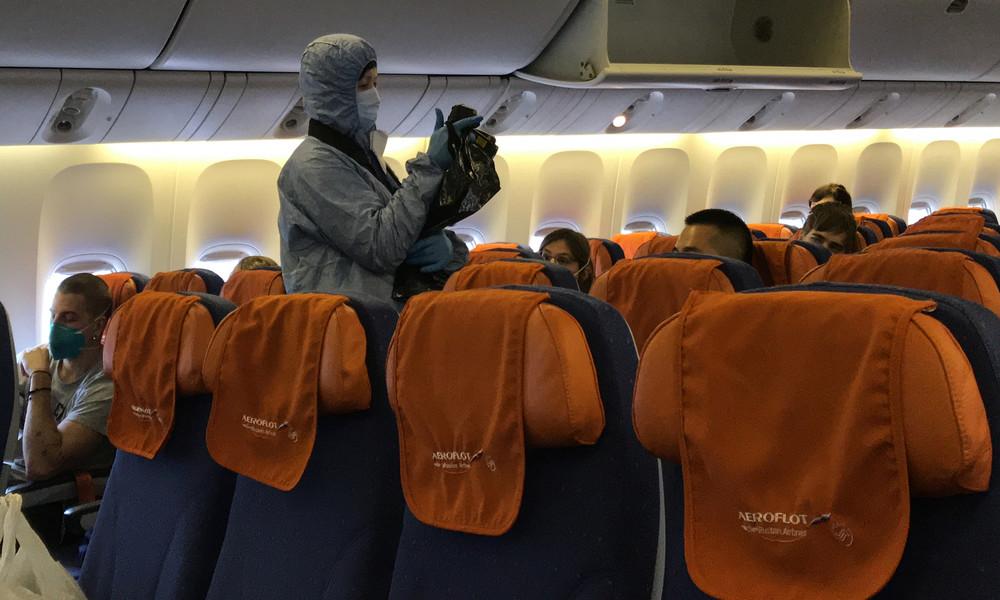 Reisen in Corona-Zeiten: Verbraucherschutzbehörde empfiehlt Abstand in Flugzeugen