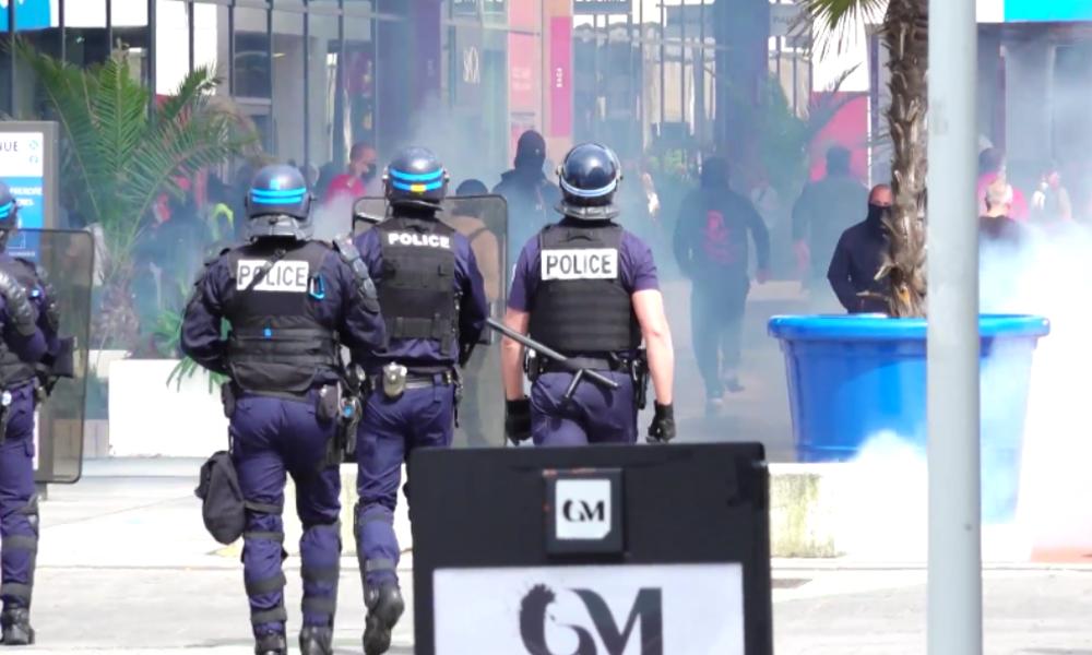Frankreich: Polizei löst verbotene Demonstration gegen Corona-Maßnahmen mit Tränengas auf