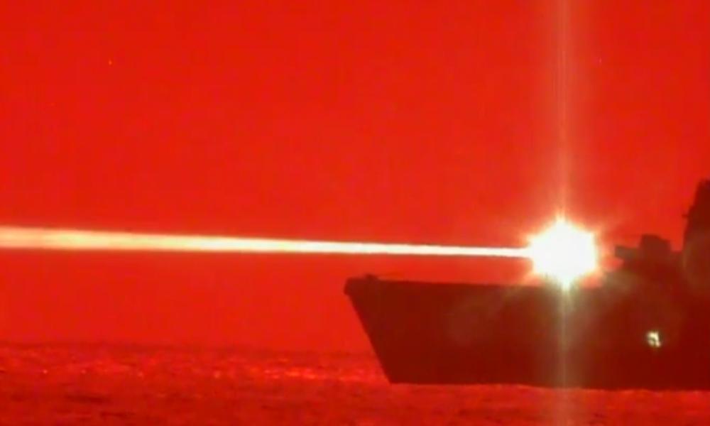 """USA schießen Drohne mit Laserwaffe ab – """"Damit definieren wir den Krieg auf See neu"""""""