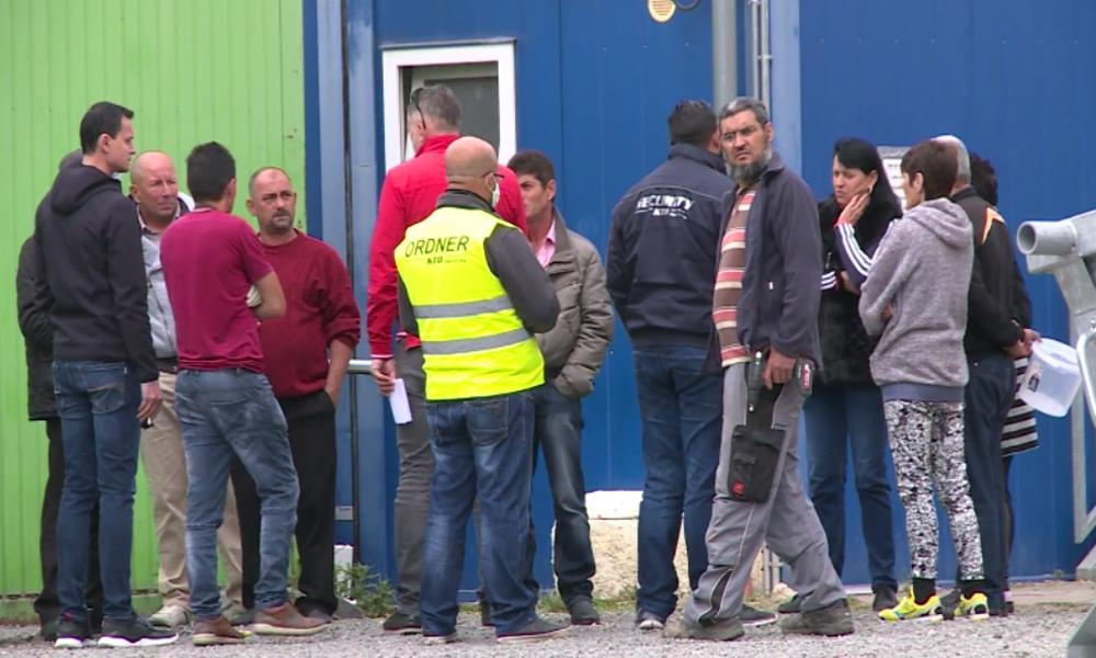 Bornheim: Letzte Gastarbeiter verlassen insolventen Ritter-Spargelhof – Linke erstattet Anzeige