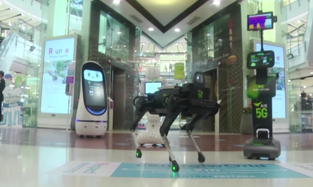 """Roboter übernehmen Corona-Einsätze in Einkaufszentrum: """"Das wird die neue Normalität"""""""