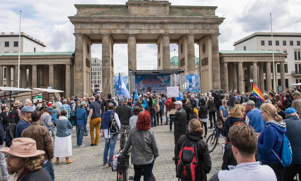 """""""Wir wollen Anti-Kriegs-Virus verbreiten"""": Kundgebungsmarathon """"Kündigt Ramstein Air Base"""""""