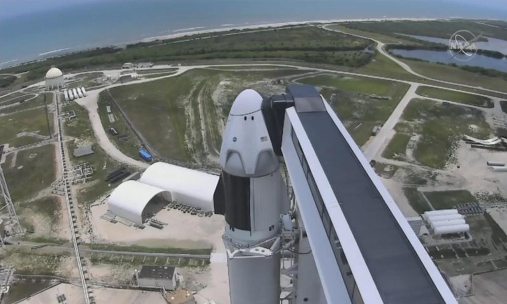 USA: SpaceX-Rakete schickt NASA-Astronauten auf Flug zur ISS – Prototyp explodiert während Test