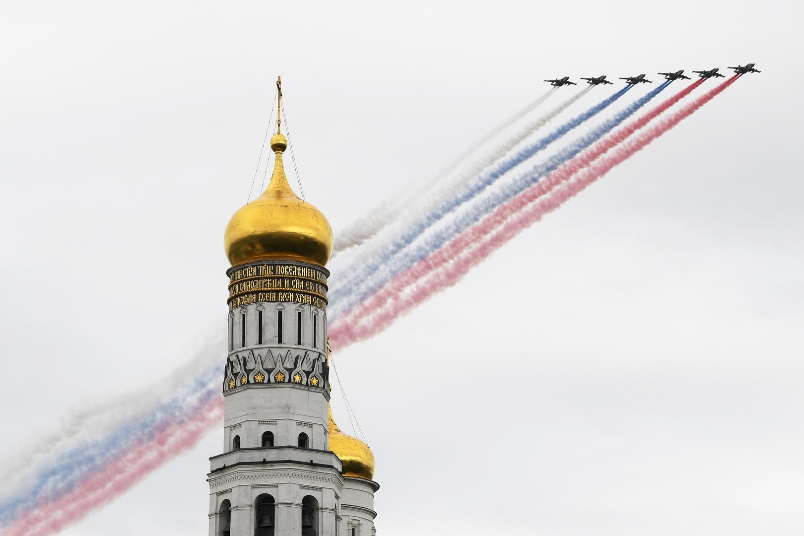 Su-25-Flugzeuge bei der Flugschau in Moskau