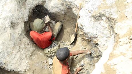 Arbeiter in einer Kobaltmine in Tulwizembe, Provinz Katanga, Demokratische Republik Kongo