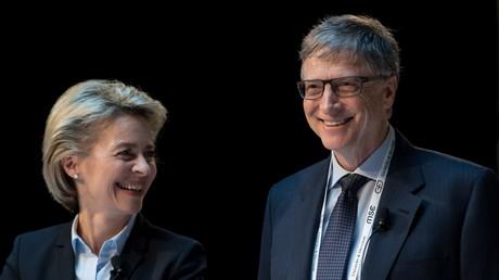 Symbolfoto: Ursula von der Leyen und Bill Gates bei einer Pressekonferenz am 17. Februar 2017